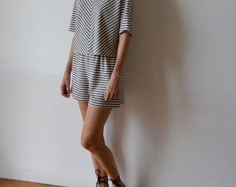 Beige ecru striped linen jersey t-shirt / linen top / linen t shirt / striped shirt / striped t shirt / crop top / boxy top