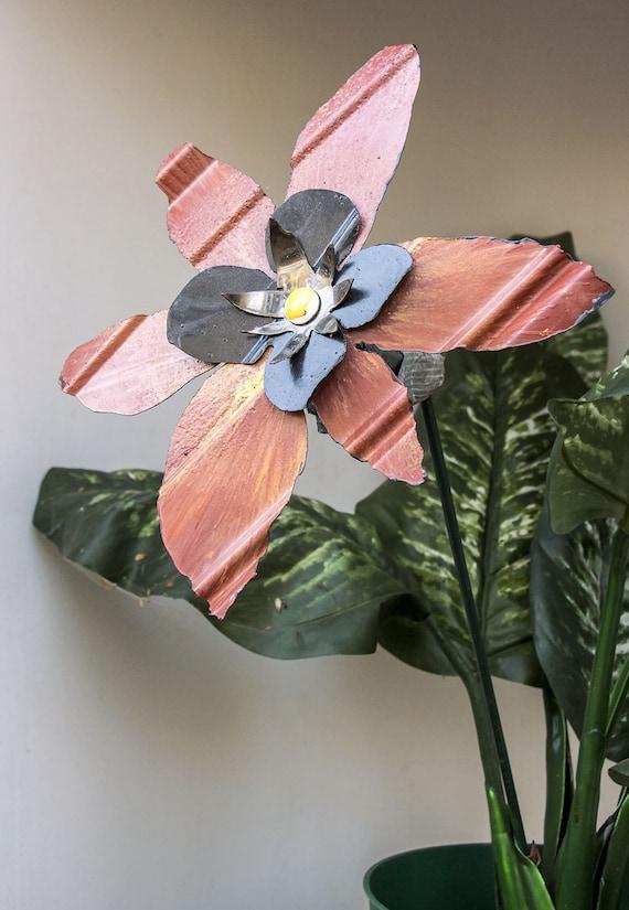 burnt orange metal yard art flower sculpture garden stake. Black Bedroom Furniture Sets. Home Design Ideas