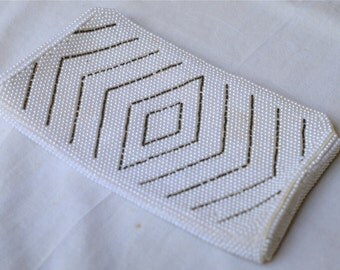 vintage 1960s pearl beaded clutch with diamond pattern
