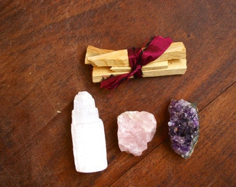 Crystals and Smudge Kit- Palo Santo, Amethyst Cluster, Rose Quartz, Selenite Tower Crystal Starter Pack Metaphysical Kit Meditation Tools