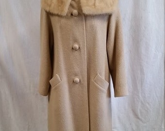 Classic 1960s Tan Textured Wool Coat with Fur Collar