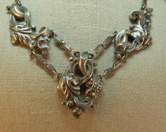 Antique Victorian Silvertone Necklace