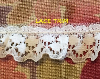 1-3/4 YARDS, WHITE 3/4 Inch, Ruffle Lace Sewing Trim, Scallop Edge, Double Circles, L255