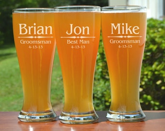 21 Groomsmen Pilsner Glasses, Personalized Beer Glass, Engraved Glasses, Beer Mug, Wedding Party Gifts, Gifts for Groomsmen, 16oz Glasses