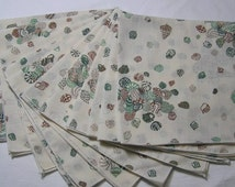 Set of 11 Vintage 1980s Sea Shell Dinner Napkins In Green & Brown, Ocean Beach Theme Table, Collecting Seashells, 16.25 Inches Square