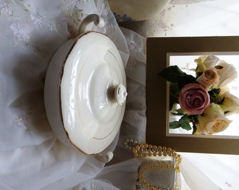 Circa 1920s/1930s, Covered Vegetable Bowl, Ivory, Mount Clemens