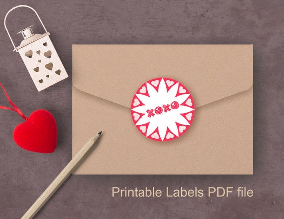 Printable DIY Valentine labels for party favors and gifts, hearts, XOXO, Love, Be mine blank round labels 2.5 inch, editable