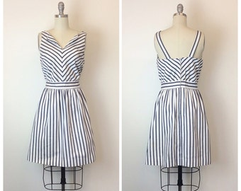 70s Blue and White Chevron Stripe Sun Dress / 1970s Vintage Fit and Flare Striped Day Dress / Medium / Size 6