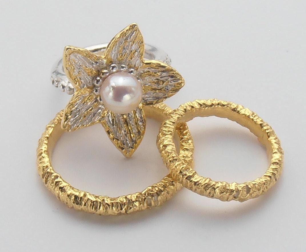pearl wedding band set pearl engagement ring alternative. Black Bedroom Furniture Sets. Home Design Ideas