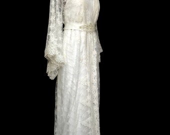 lace kimono, brides lace robe, lace getting ready robe, bridal robe, boho lace kimono, brides lace kimono, lace robe, lace brides robe