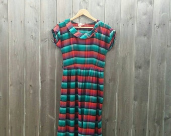 Vintage 1950s Plaid Boat Neck Dress With Bow by Smartsette