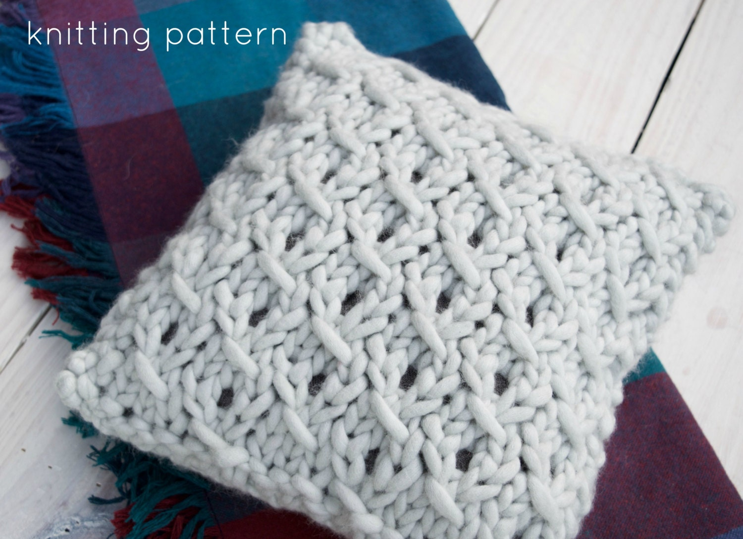 Knitting Pillow Pattern : Pattern chunky knit pillow small cushion