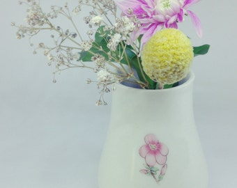 Pink flower ceramic vase | Wheel Thrown | Bud vase | Porcelain | Flower vase