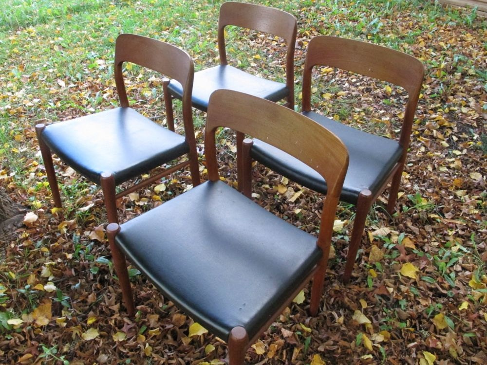 JL Moller Danish Teak Wood Chairs Set Of 4 Niels Moller By AkaATA