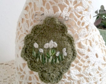 Embroidered/knitted brooch - snow drops