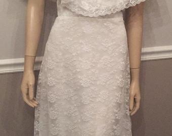 Vintage beautiful 70's Custom Lace wedding dress / size medium