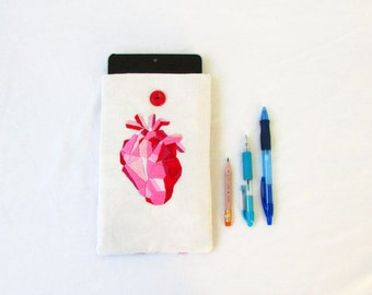 CLEARANCE 7 inch kindle cover, kindle touch or paperwhite, hand embroidery, anatomical heart, science gift, handmade in the UK