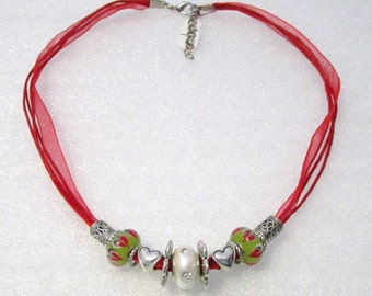 890 - NEW Red Beaded Necklace