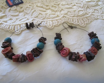 """vintage darktone metal dangling hoop earrings  3.25""""drop 2""""across grren wood beads,pink/brown beads"""
