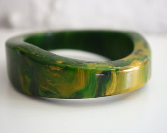 Bakelite Asymmetrical Chunky marbled green spinach bangle