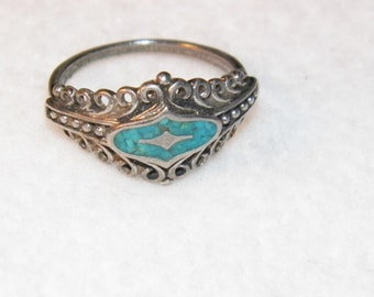 Vintage Sterling Silver ring with turquoise chips, southwestern style ring, 925, size 7