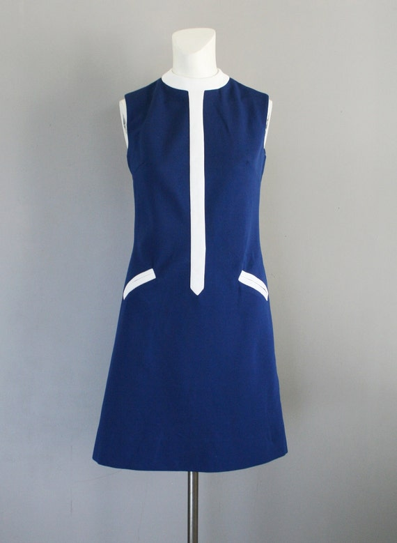Hold or Rebeccah 3/3 - 1970 - Mod - Color Blocked - Sheath - Navy and White - by Bleeker Street