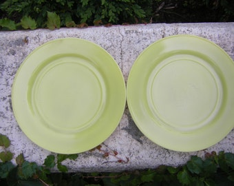 Hazel Atlas Platonite Dinner Plates Chartreuse Ovide Set of 2