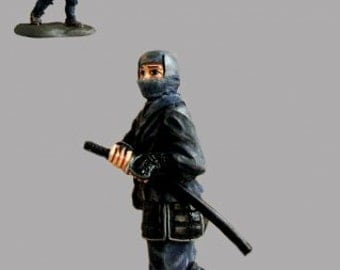 Japanese Warrior Ninja Miniature Action Figurine Hand Painted 1/32 Scale Toy Soldiers 54mm Tin Metal