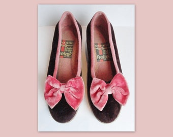 SOLD Do Not Buy // 70s Vintage Velvet Slippers With Bow // Rohde // Burgundy/Pink // Size 39 // Made In Austria