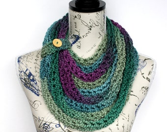 Knit Scarf - Knitted Women Shawl - Winter Scarf - Finger Knit Scarf - Chunky Infinity - Knit Scarf Necklace - Gift for her