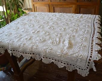 Vintage crochet tablecloth, crochet tablecloth, square crochet tablecloth, boho crochet tablecloth, vintage square simple crochet boho, boho