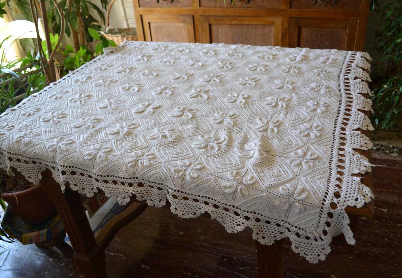 Vintage tovaglia uncinetto tovaglia quadrati uncinetto for Lavori all uncinetto per altari