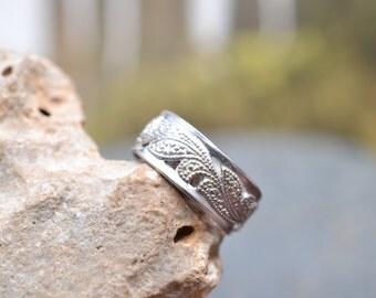 Vintage Sterling Silver Filigree Flower Band Ring