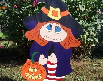 Halloween Witch Outdoor Wood Yard Art, Trixie The Trick Or Treater, Halloween Lawn Ornament