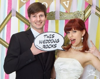 This Wedding Rocks Speech Bubble Party Photo Sign 013-840