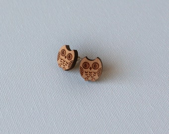 Retro Jewelry - Wooden Owl Cabochon Stud Earrings - Nickel Free - Silver Plated Brass