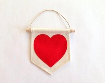 "Heart mini banner / 5"" x 6"" / Canvas Wall Banner / Wall Hanging / Valentine's Day gift idea / Nursery wall decor / Felt banner / Kids Banner"