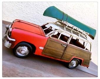 Vintage Woody Wagon Tin Retro Car