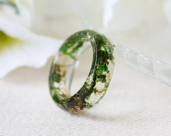 Resin / ring / green / Real Flower Jewelry, Gold Ring, Resin Flower Ring, Real Flower Ring, Cool Ring, Gift for her, Botanical Jewelry
