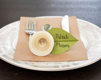 Wedding Seating Cards - Wedding Place Cards - Flower Place Cards - Unique Place Cards - Table Place Cards - Paper Flowers