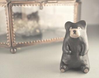 simple black bear totem
