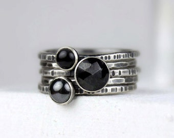 Hammered Silver Stacking Rings with Black Gemstones, Silver Rings with Patina, Set of Five Rings, Black Spinel, Hematite, Black Onyx