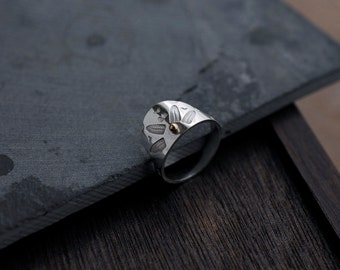 Fantail crown solid silver ring