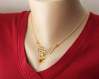 Honeycomb Center Pendant Necklace - Charming Honey Color Glass Gold Honey Bee Center Petite Delicate Pendant Gold Necklace