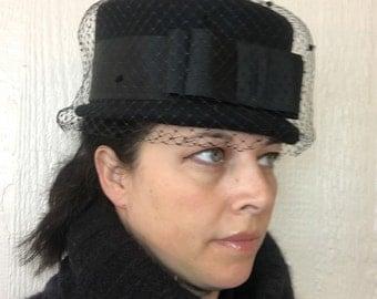 Vintage Black Topper Hat Veiled Mod Style 60s A249