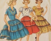 Picnic in the country Peasant blouse and full skirt  pattern Simplicity 5545