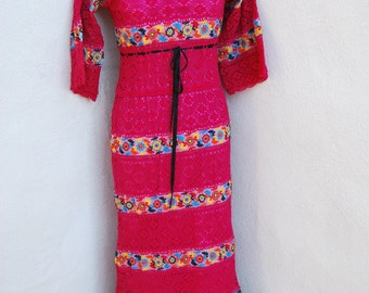 Vintage 1970's boho Mexican Raspberry Pink wedding dress long lined  crochet lace size Small