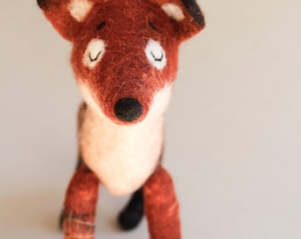 Felt Fox - Rusty, Art Toy,  Fox plush, Woodland plush, Puppet, Felt Animal, Felted Toy, Woodland Animal. red, orange. MADE TO ORDER.