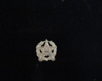 Small Gold Tone Metal Pin Presbyterian Lapel Pin Stars Laurels Cross YourFineHouse FREE USA SHIPPING