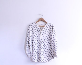 Loose Pattern 90s Button Tee